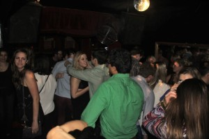 Comet Club - Lounge Dancing.